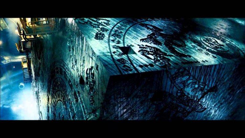 Varování černé krychle. Proč ji vídáme v tolika filmech a jakou má symboliku?