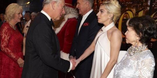 Lady Gaga tvrdí, že princ Charles není člověk