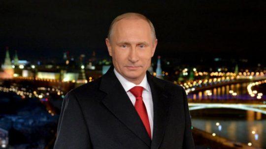 Putin přeje Rusům o novoroční noci, aby se stali kouzelníky a konali dobro