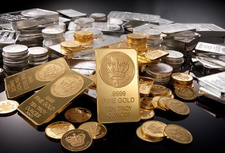 A už Vám to milí čtenáři tadesca píší v novinách: Hrozící kolaps dolaru a dalších velkých měn vyžene cenu zlata za hranici 10 000 dolarů