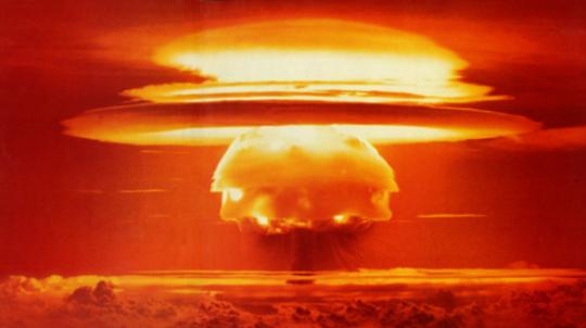 V doupěti atomového boha