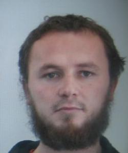 Mezinárodně hledaný terorista Lavdrim Muhaxheri je se 400 bojovníky IS v Evropě