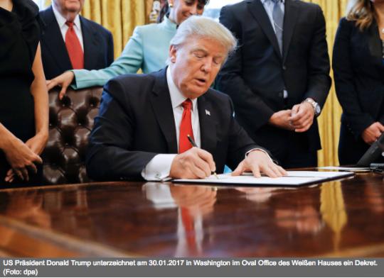 Ve Washingtonu vypukl brutální mocenský boj. Trump je pod velkým tlakem.