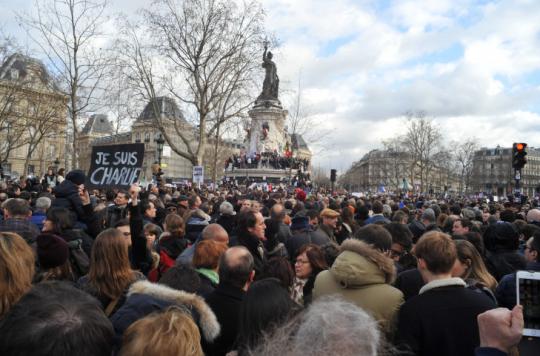 """Francie je kvůli migrantům """"na pokraji občanské války"""""""