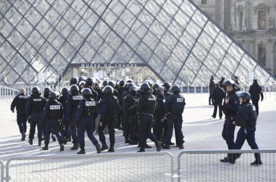 Další zprávy z Paříže, z telefonního rozhovoru ze včerejšího dne