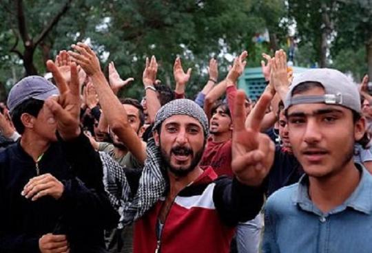 Policajt: Migranti majú na svedomí najvážnejšie zločiny vo Švédsku