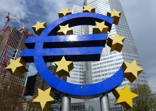 ECB nechá zavřít dvě italské banky