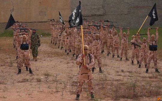 ISIL využívá dětské vojáky, náhled do jejich výcviku
