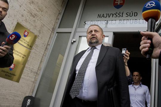 Harabin: Generálny prokurátor by mal obžalovať Dzurindu a spol. zo spolupáchateľstva pri napomáhaní spáchania trestného činu vraždy
