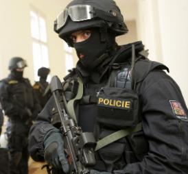 Jak policistku před policií hlídala policie, aneb kdo nezažil, neuvěří