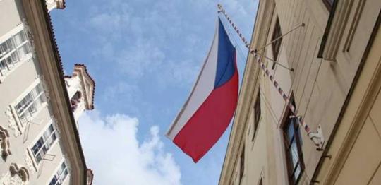 Jaroslav Tichý a Vladimíra Vítová: Zastavme kolaps občanství!