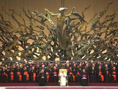 Papež vs. Viganò