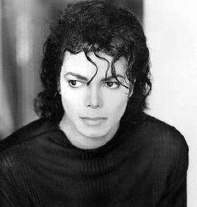 Copak nám chtěl symbolicky Michael Jackson sdělit?