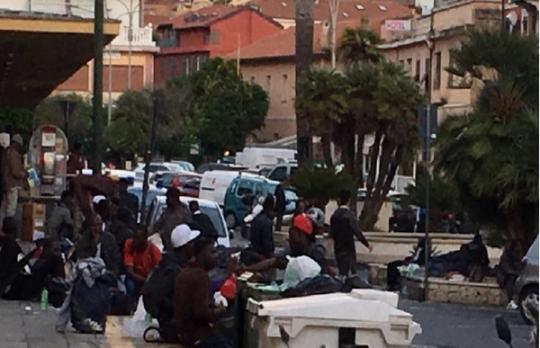 Itálie v šoku: Nejvyšší soud dovolil imigrantům krást