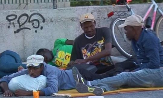 Stop vylodění na Sicílii kvůli G7. Ventimiglia kolabuje – na hranicích se kupí migranti