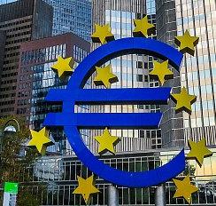 Eurokomisařka Jourová chce kvůli dvojí kvalitě potravin jednat s výrobci