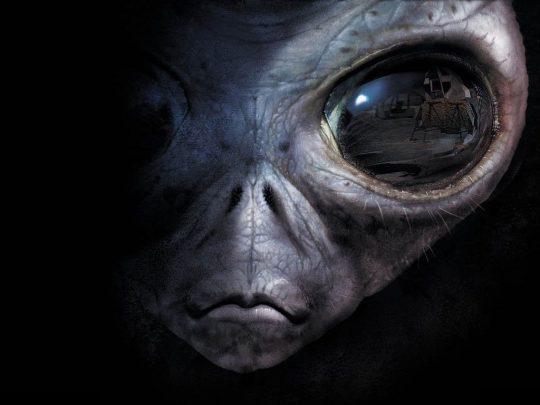 Rusko nám vzkazuje: Povězte světu o mimozemšťanech nebo to uděláme za vás