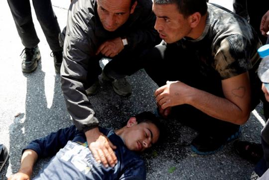 Masová bitka migrantov pretvorila tichú oblasť rakúskeho mesta na chaos