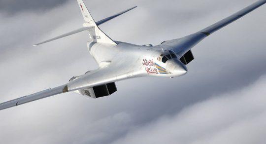 Zbrusu nová letadla: Rusko zahajuje výrobu modernizovaného bombardéru Tu-160