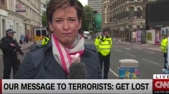 Uniknuté video ukazuje, jak CNN v Londýně falšuje muslimskou demonstraci proti teroru na London Bridge! Skandál, který nemá v historii zpravodajství obdoby! Na zfalšování spolupracovala i londýnská policie!