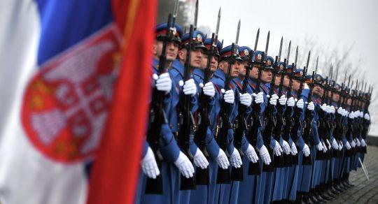 V srbském parlamentu řekli o bezprecedentním nátlaku na Bělehrad ze strany NATO