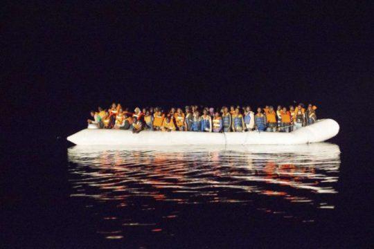 Africké tajné služby: Kolony Toyot s migranty vyjíždějí vždy v pondělí. Sledují je satelity
