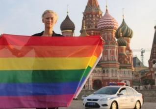 Ruská TV posílá homosexuály do USA