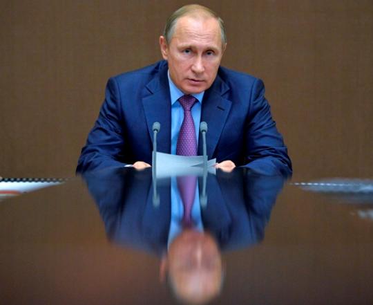 Belgický politológ: Putinovi hrozí nebezpečenstvo. Západ likviduje tých národných vodcov, ktorí sú preň hrozbou