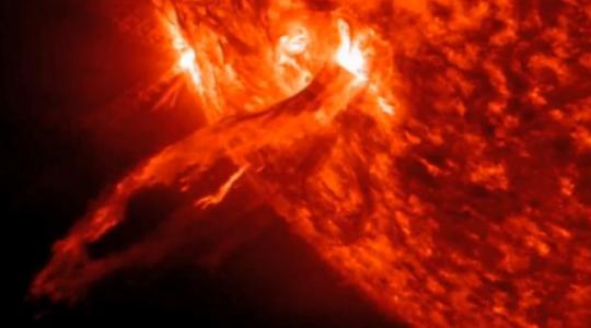 Na Slunci proběhl nový mohutný výbuch