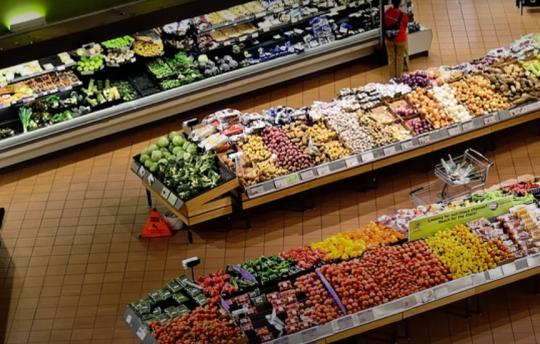 Hnusnější, zato dražší. Potvrzeno černé na bílém: V Česku se místo potravin prodávají odpadky