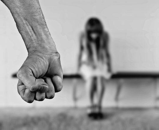 """""""Sýrsky"""" migrant sexuálne zneužil dievča. Dostal sa na slobodu na kauciu a onedlho znásilnil ďalšie"""