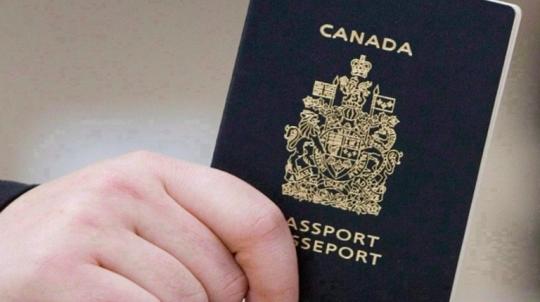 """Kanada zavádí na pasech pohlaví """"X"""", aby se transsexuálové 'mohli cítit bezpečněji'"""