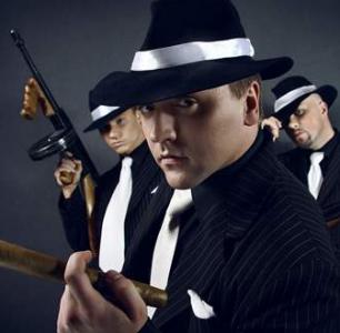 Vyšetřovací spisy odhalují napojení ČSSD a TOP09 na finanční toky podnikatelské a justiční mafie