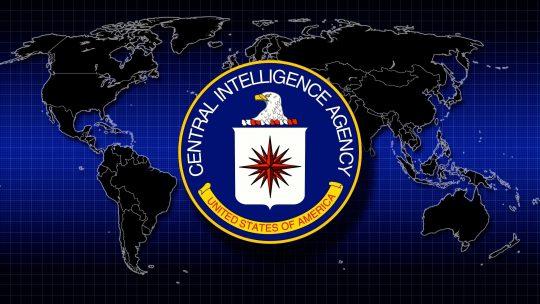 Americké a britské tajné služby vyhlásily nezávislým médiím kybernetickou válku, aby prosadily agendu poslušnosti a vakcinaci