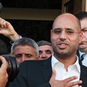 Syn Kaddafího se vrací do politiky, aby zachránil Libyi