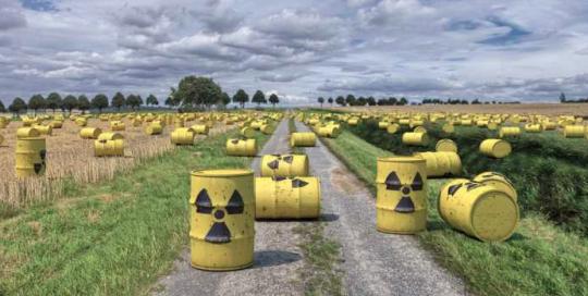 Co s radioaktivní hlínou z Fukušimy? Japonská vláda navrhla kreativní řešení