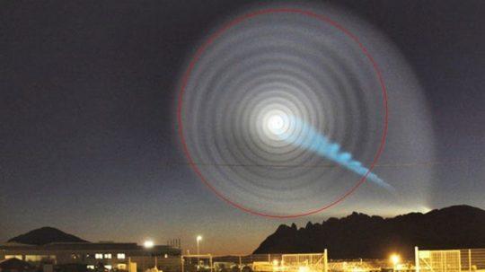 Nad celým Ruskem září záhadné světelné spirály – čerstvé záběry místních obyvatel