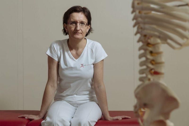 Lidé zapomněli chodit. Proto je bolí ramena, krk nebo hlava, říká zkušená fyzioterapeutka Hanušová