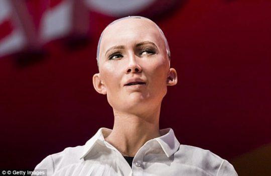Sophia, první robot na světě, kterému bylo uděleno občanství, chce založit rodinu a mít vlastní kariéru