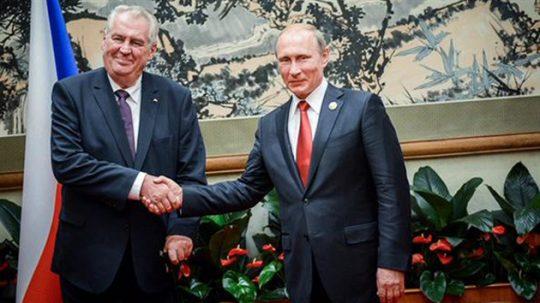 Symbolický vzkaz od prezidenta Putina do ČR