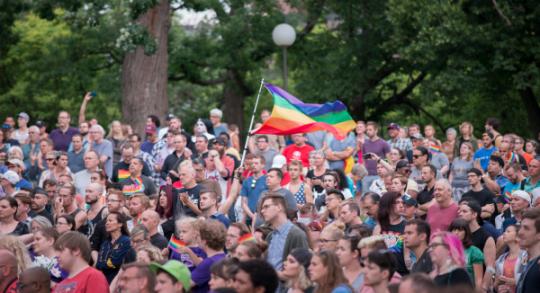 Evropský parlament vyzval Porošenka, aby se postavil do čela průvodu homosexuálů