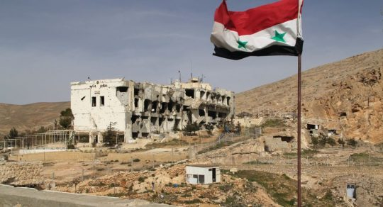 Místní obyvatelé uvádí, jak probíhala inscenace chemického útoku v Sýrii (VIDEO)