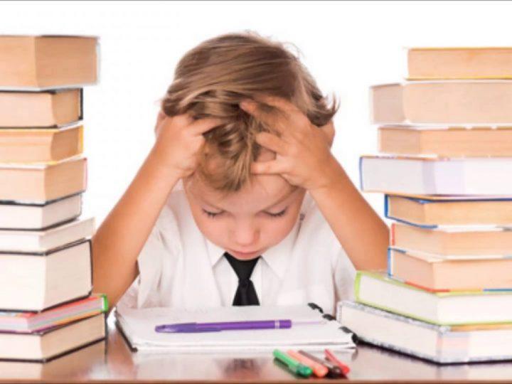 Kontroverzné tvrdenia odborníkov pobúrili svet! Deti by si vraj nemali robiť domáce úlohy, pretože to nemá žiadny zmysel