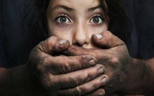 Televize BBC opět kryje pedofily: tentokrát zlehčuje skandál se znásilňováním dětí přistěhovaleckými gangy v Telfordu a jiných britských městech