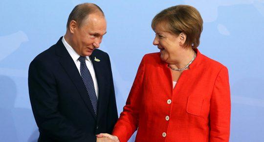 Putin prozradil, jak zůstat v pohodě, co mu čas od času pošle Merkelová a co nedokáže odpustit