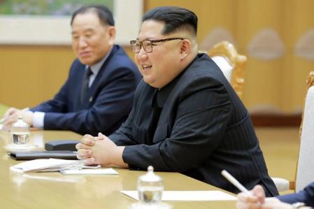Kim si nemůže dovolit zaplatit za hotelový pokoj na summitu v Singapuru, kde má probíhat jednání s Trumpem