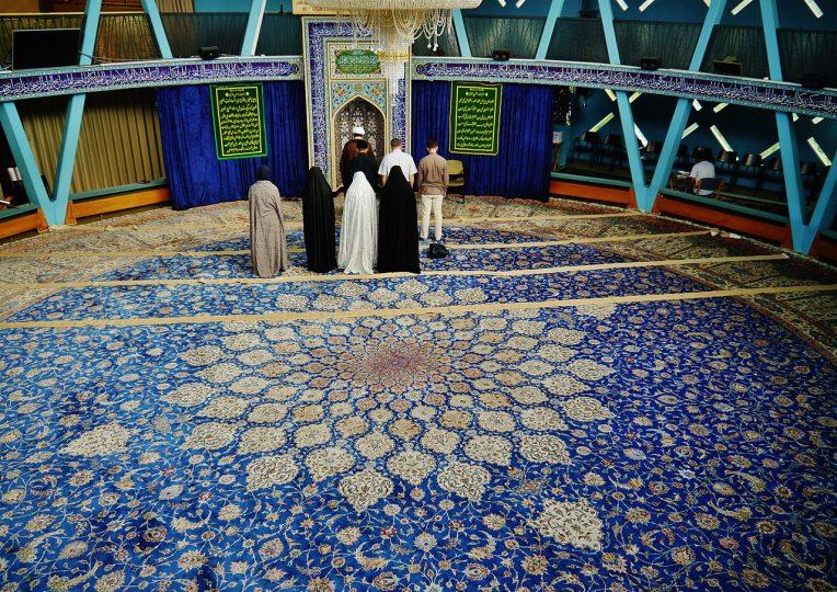Německá vláda schválila příjezd 350 imámů z Turecka