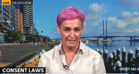"""""""Môžem ti vymeniť plienku?"""" Aktivistka a odborníčka na sexuálnu orientáciu požaduje, aby si rodičia pýtali súhlas dieťaťa pri prebaľovaní"""