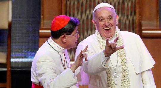 Vatikánský pedofilní kruh, obchod s dětmi, masové hroby a pohřešovaní novorozenci. Strašlivé praktiky satanistů v čele s papežem Františkem