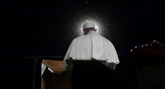 Papež k pronásledování křesťanů vytrvale mlčí